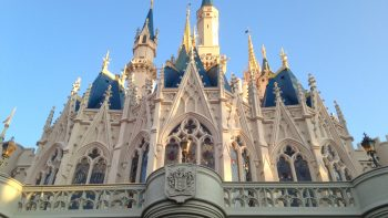 There are so many free things to do at Disney World, where do you start? How about with this list of our favorites!
