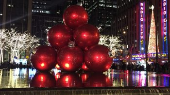 See decorations is one of the free things to do in NYC in winter