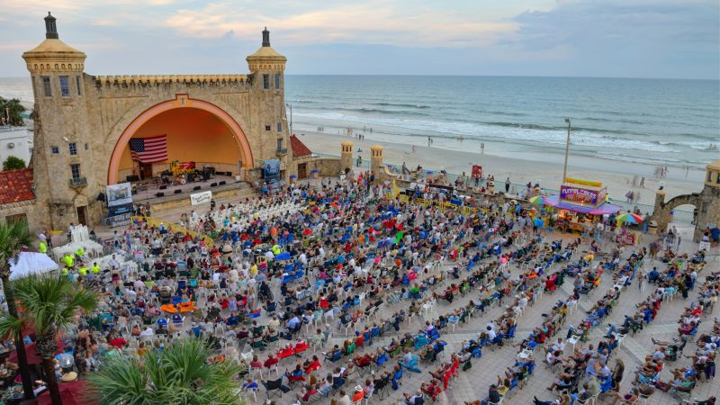 Free concerts are some of the free things to do in Daytona Beach