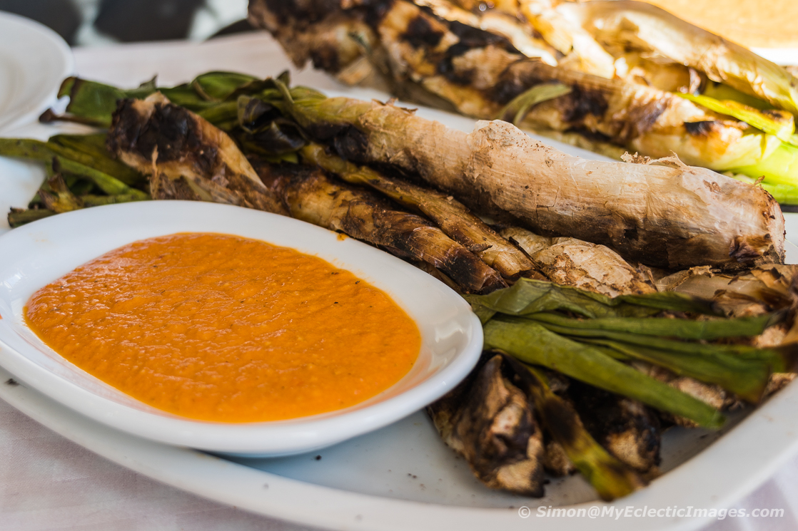 Essential guide to Catalan cuisine and the Calcotada: Calcot and salsa romesco
