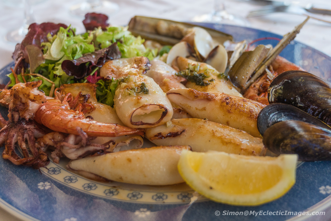 Essential guide to Catalan cuisine and the Calcotada: seafood platter