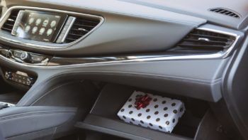 Uncategorized More and More People Hide Holiday Gifts In Their Cars 2