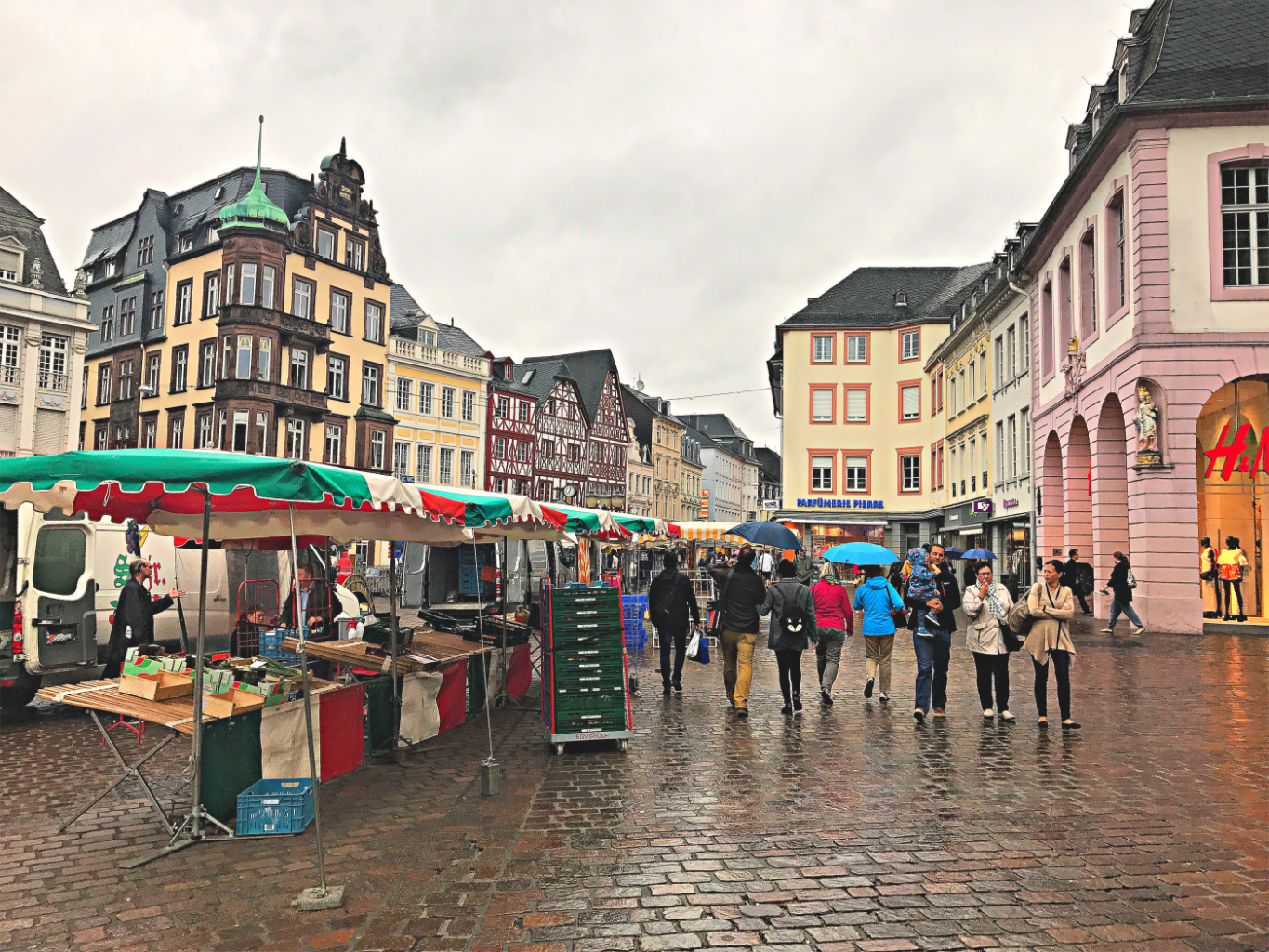 Market in Trier Germany - visit Germany with teens and shop the summer sales