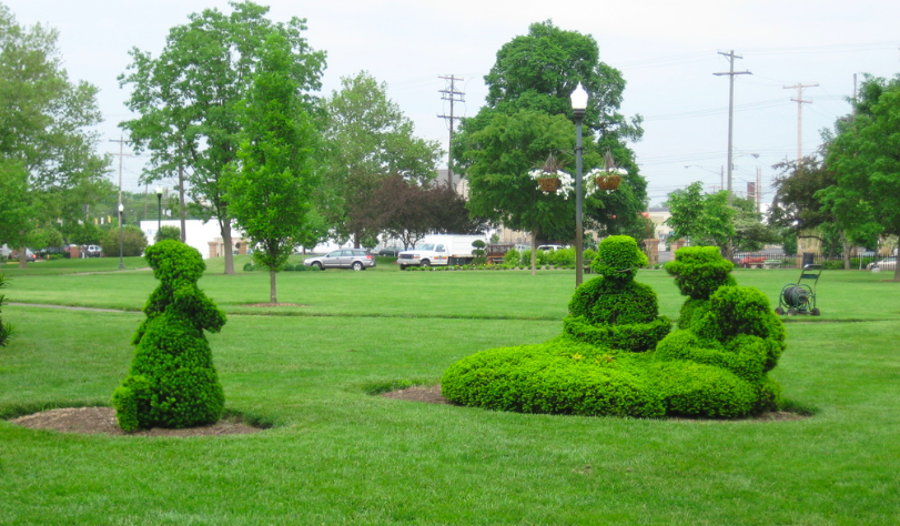 Unique free fun things in columbus ohio - visit a topiary park