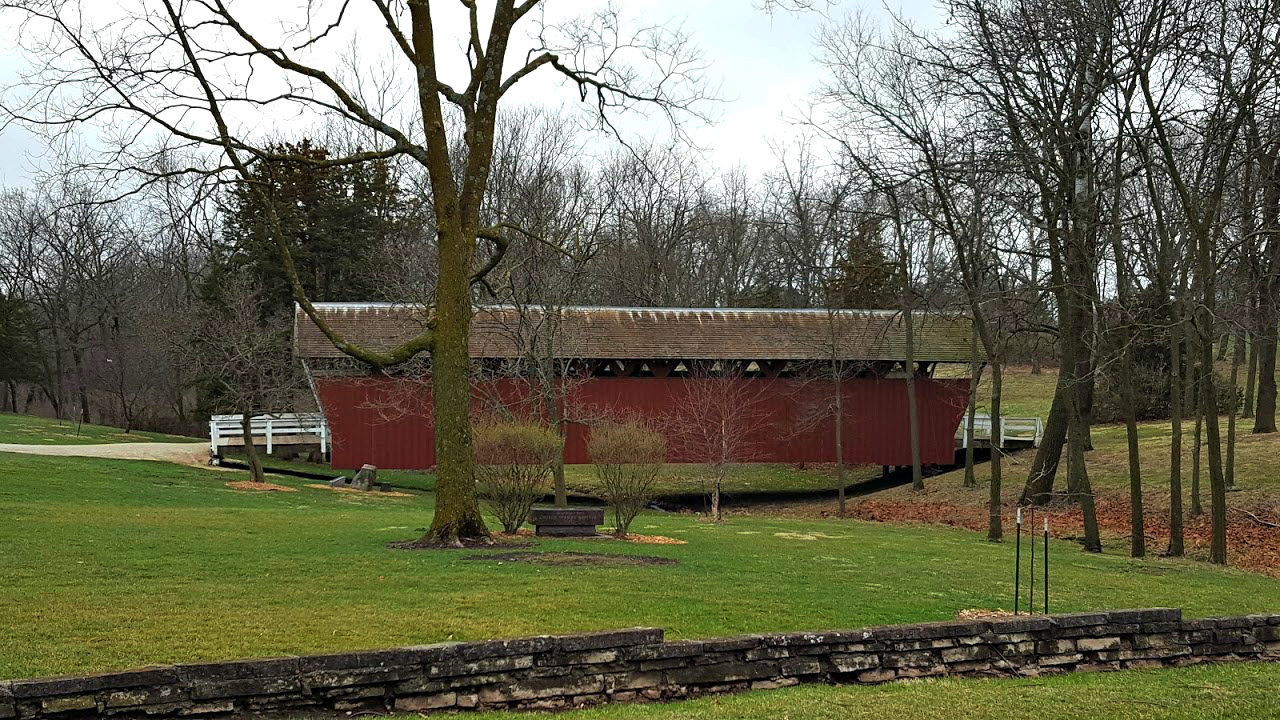 Covered bridge in Winterset, Iowa, an affordable US family vacation destination