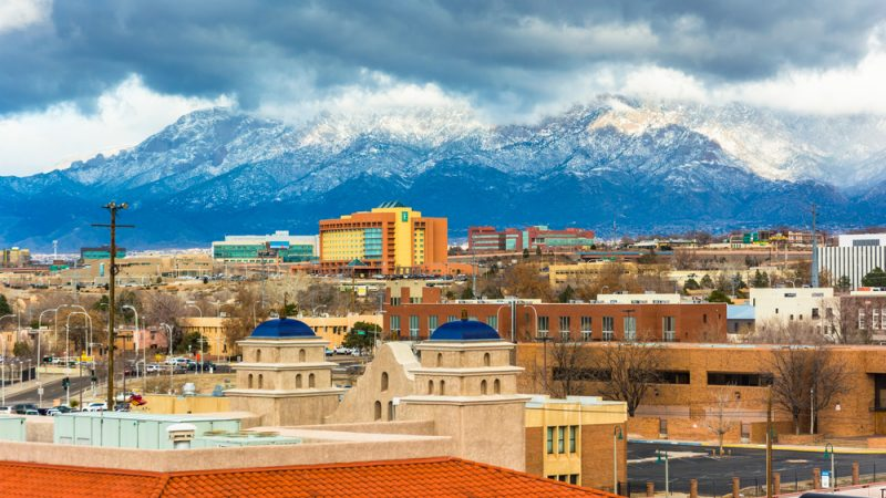 There are so many free things to do in Albuquerque New Mexico. The city skyline is breathtaking and you'll find this city offers loads of free things to for families