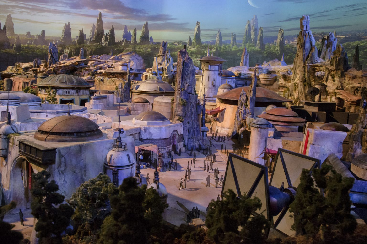 Guests will be able to shop the marketplace at Disney Star Wars Land starting May 31st, 2019.