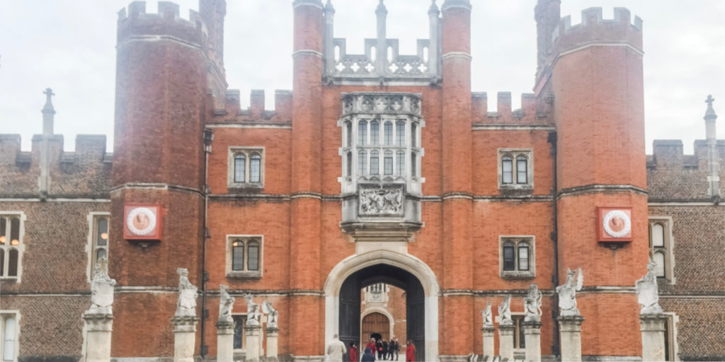 Plan a day trip to Hampton Court Palace