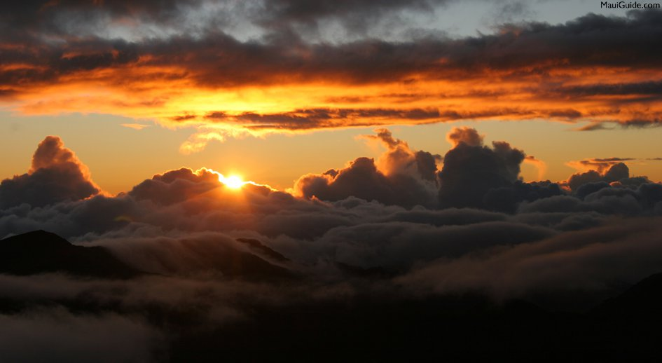 You must see the sunset when visiting Hawaii.