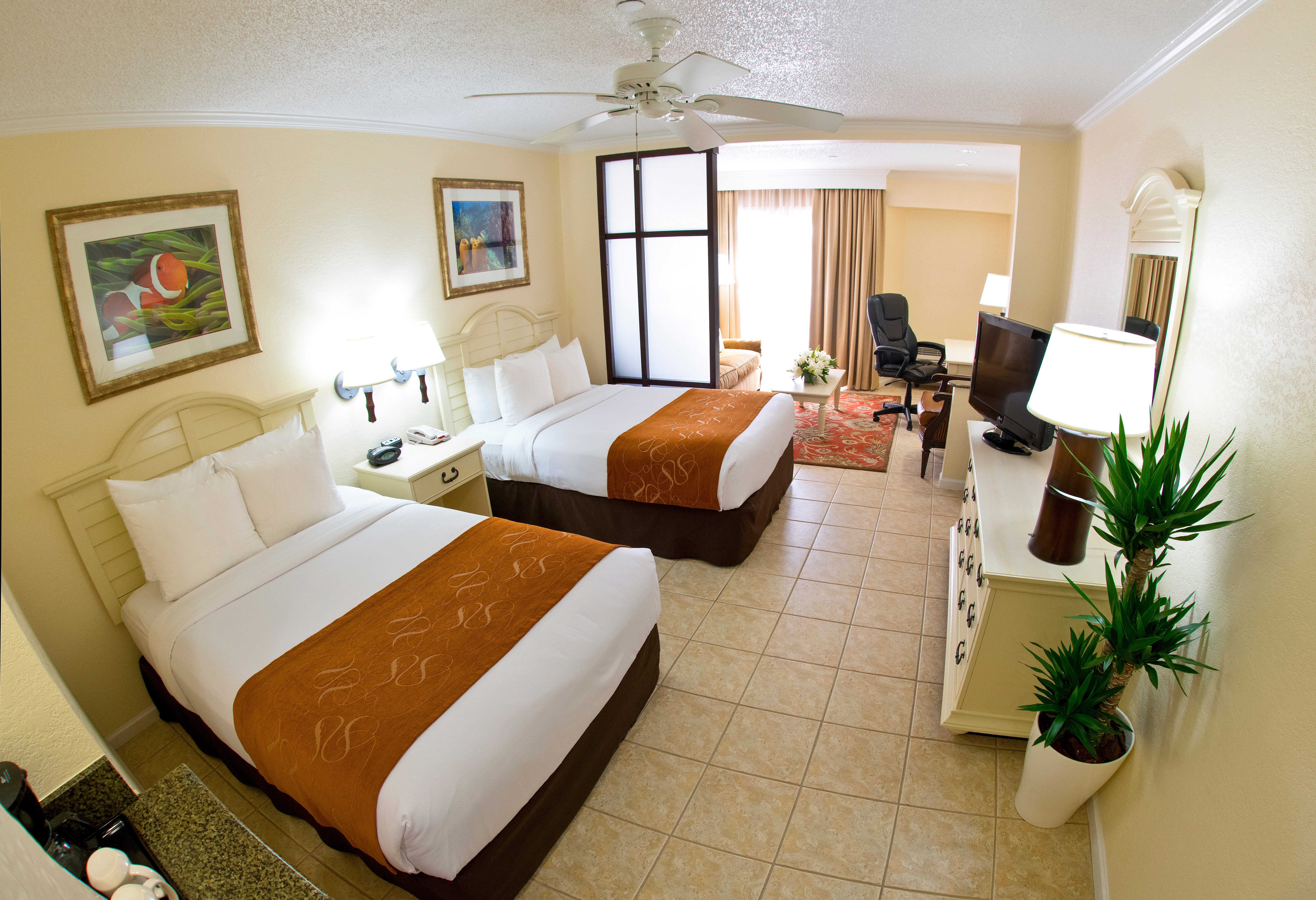 Comfort Suites Paradise Island is an all-suite hotel with free WiFi, room to spread out, and complimentary access to The Atlantis. Photo credit: Nassau Paradise Island Promotion Board