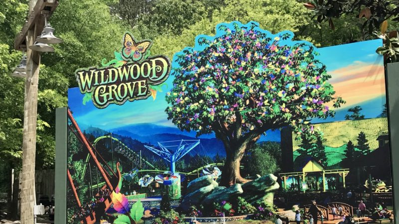 The Dollywood Wildwood sign