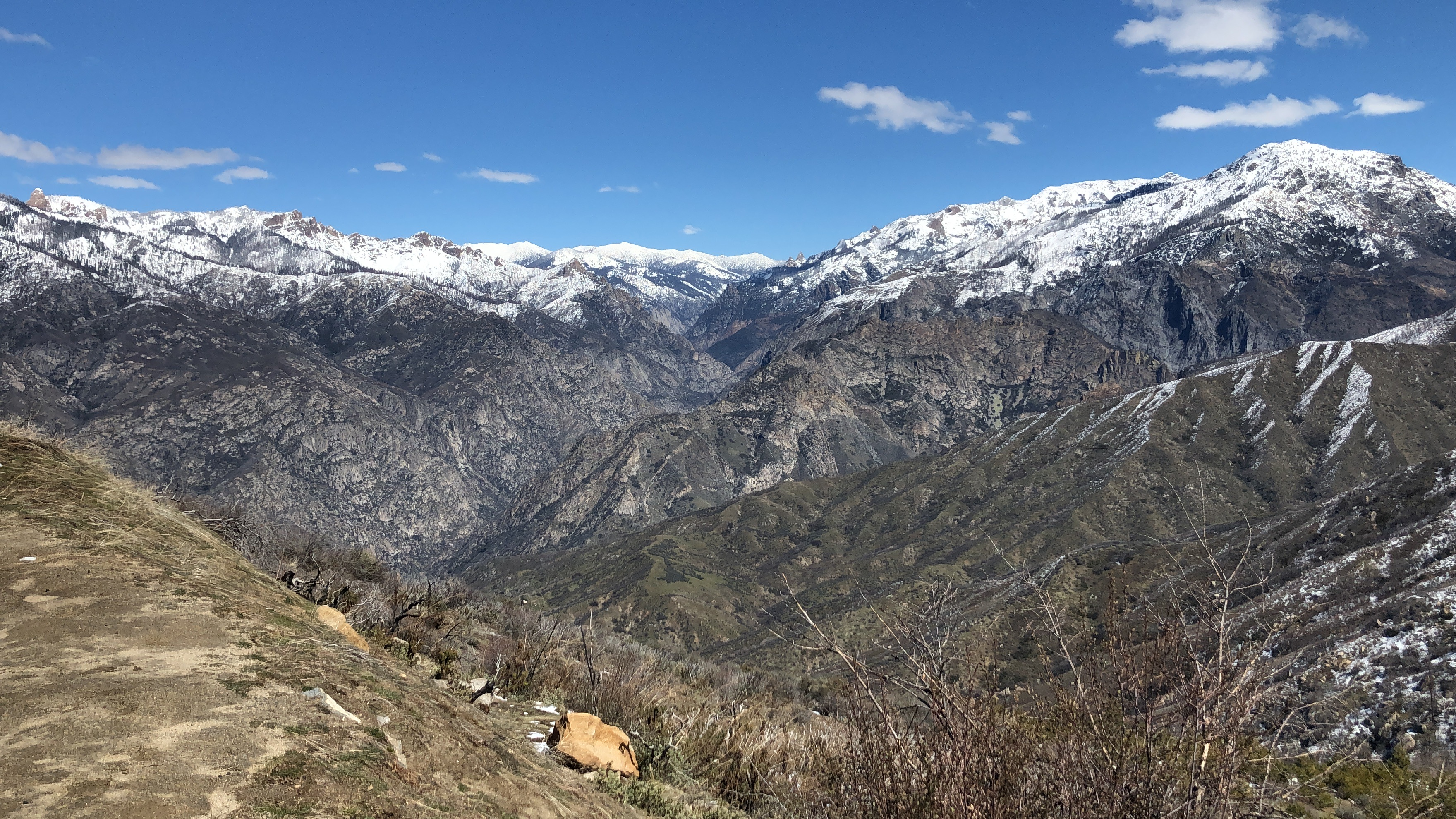 views in the Sierra Mountains in Sequoia National Park near Tiburon CA