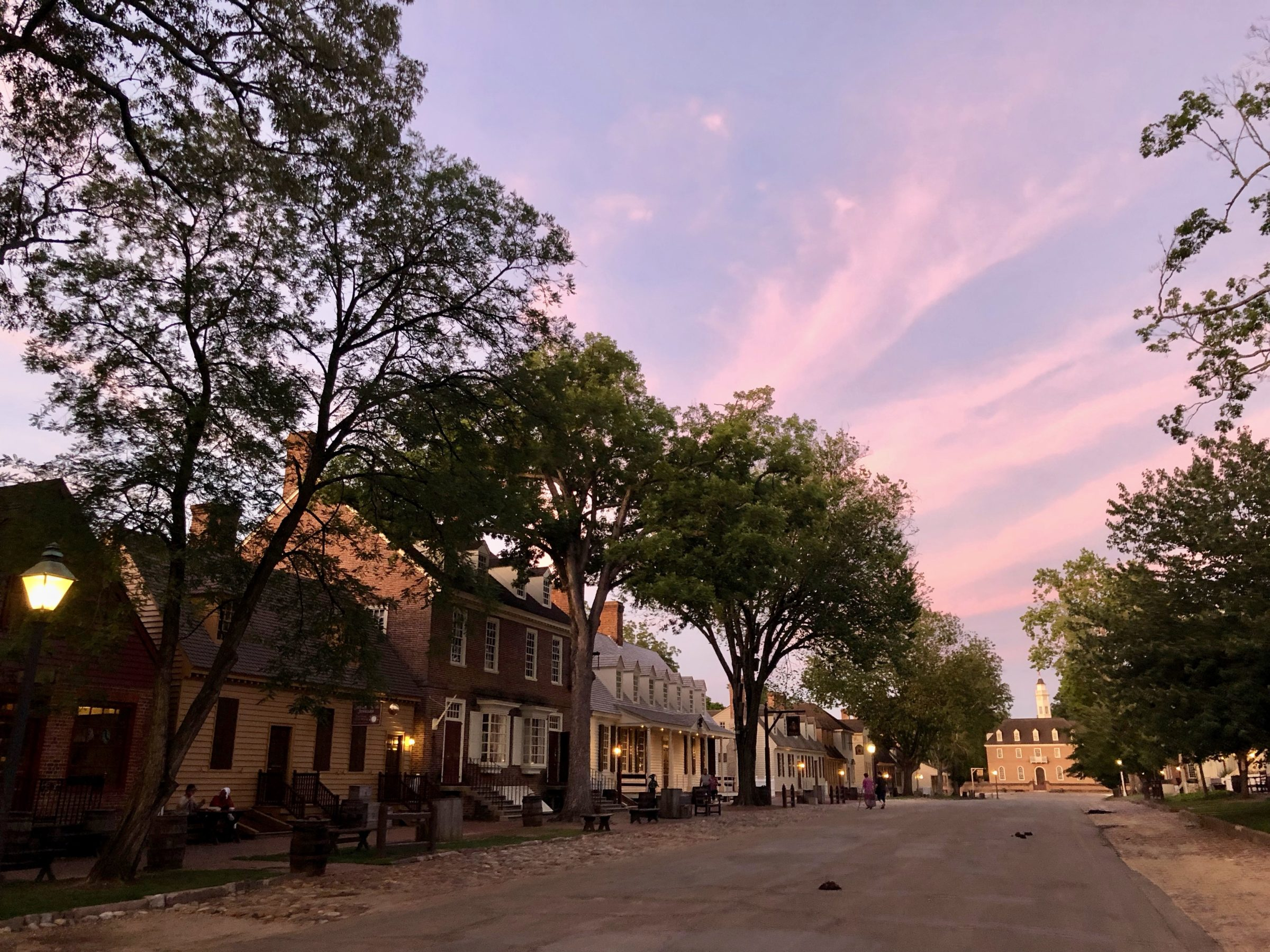 Things to do in Greater Williamsburg are enjoy the town at sunset.