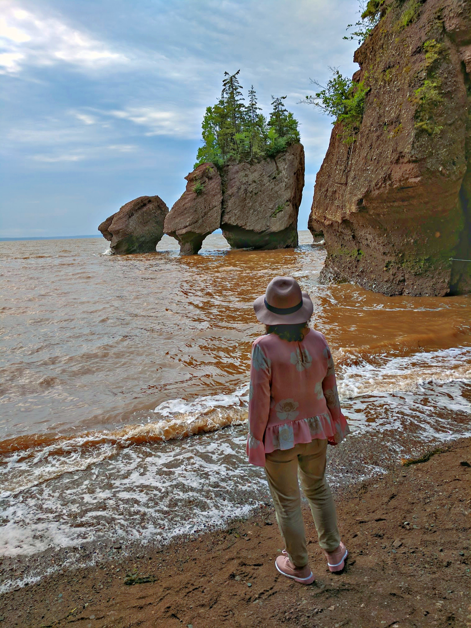 Maritime Canada - Bay of Fundy. Hopewell Rocks in New Brunswick. Waiting for the low tide.