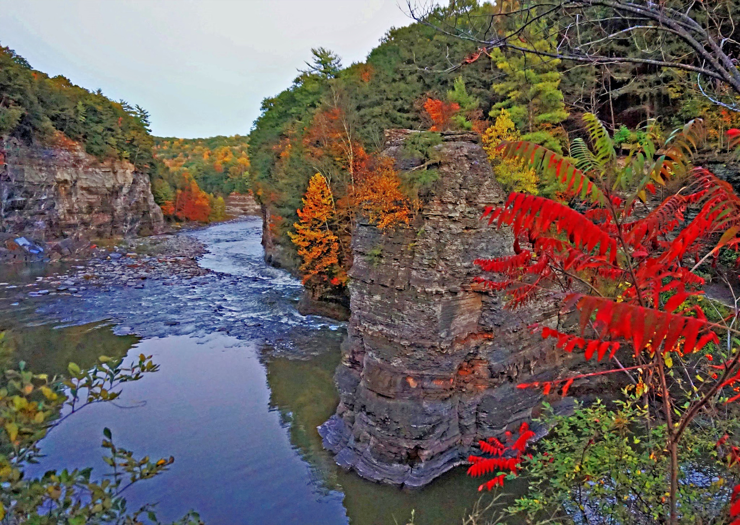 Fall in Lechworth State Park. Lower Falls hiking trail.