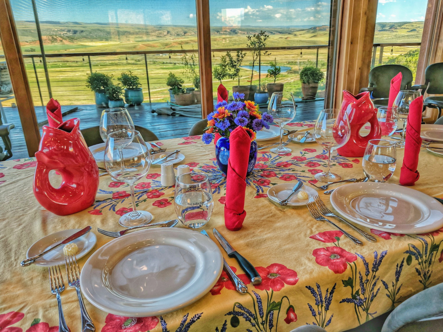 Beautiful table set up for at Red Reflet Ranch.