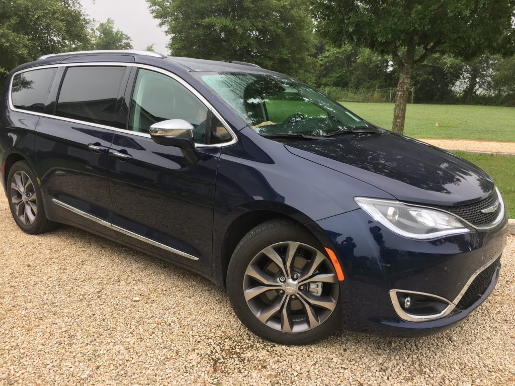 chrysler pacifica minivan