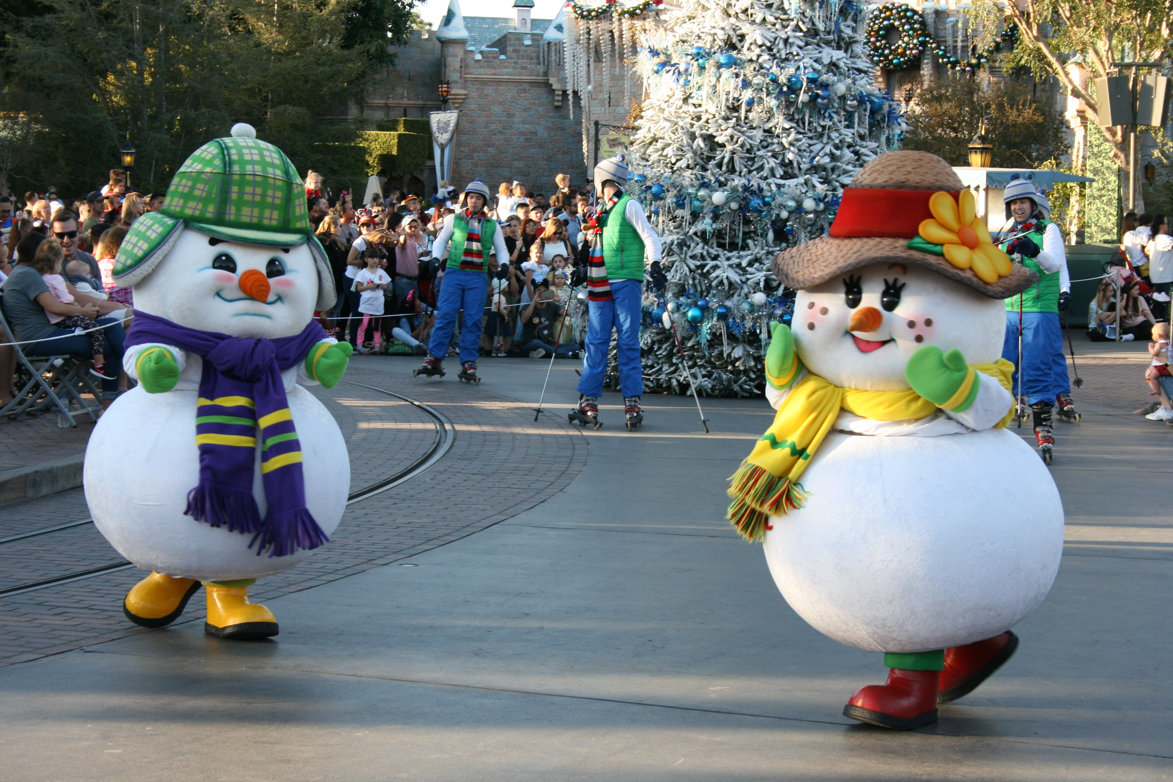 Snowmen dancing in the Disneyland Christmas Fantasy holiday parade