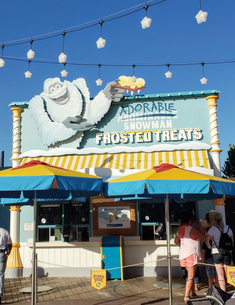 Disneyland vs. Disney World: snacking around Disneyland