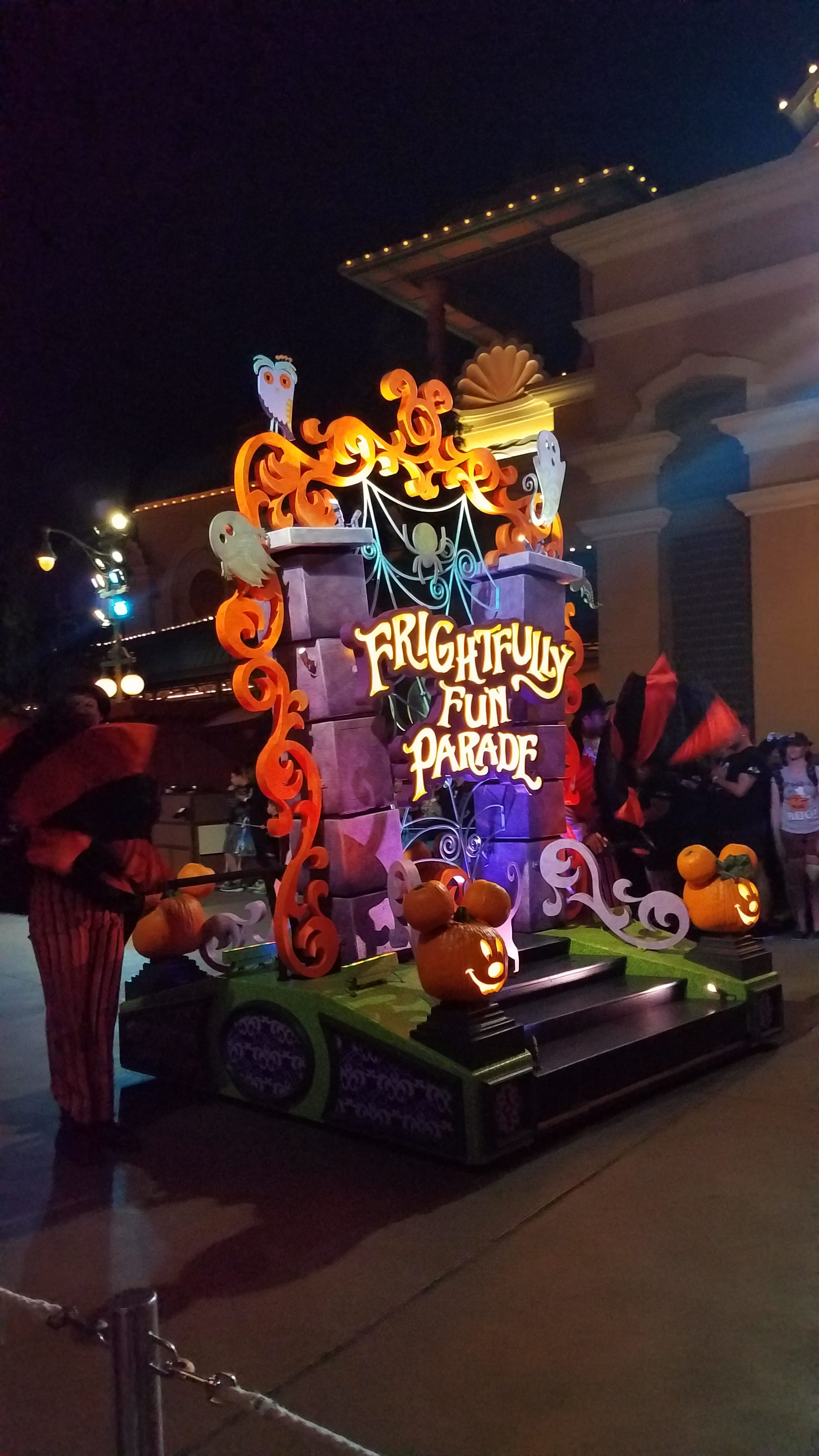 Frightfully Fun parade float