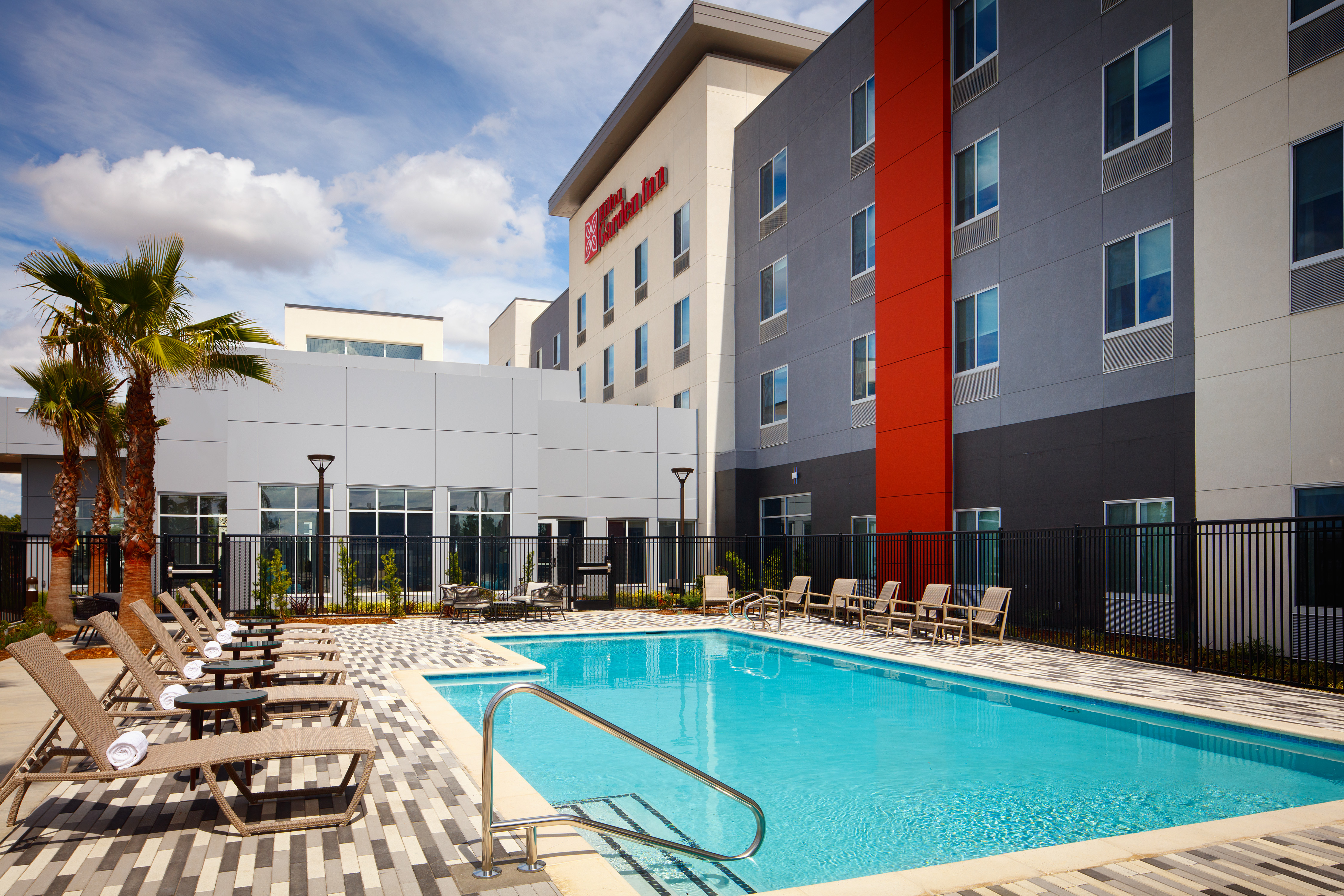 When looking for things to do in Sacramento, the Hilton Garden Inn Sacramento Airport is a good option for lodging.