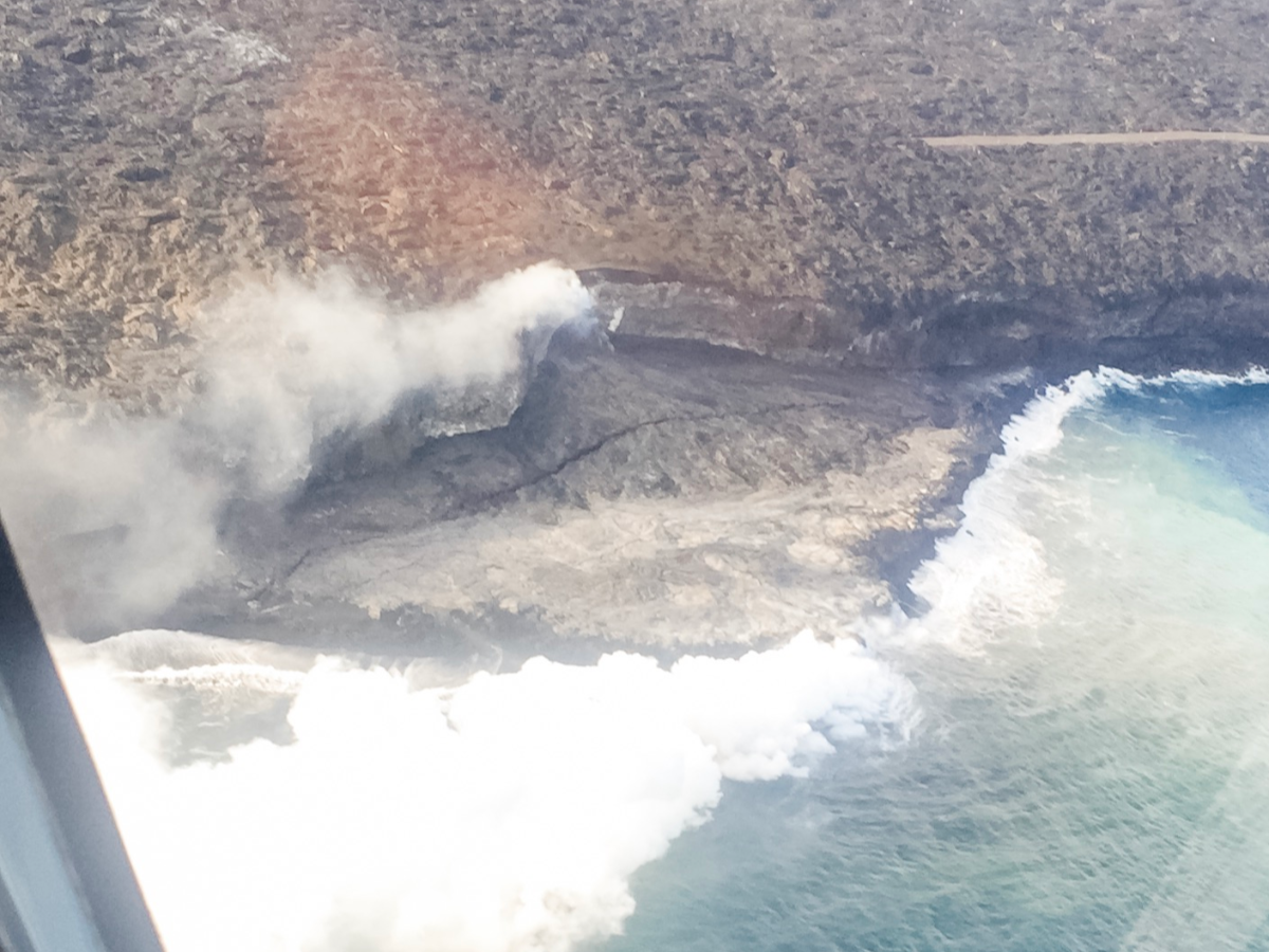 Seeing Hawaii from above on Big Island helicopter tours.