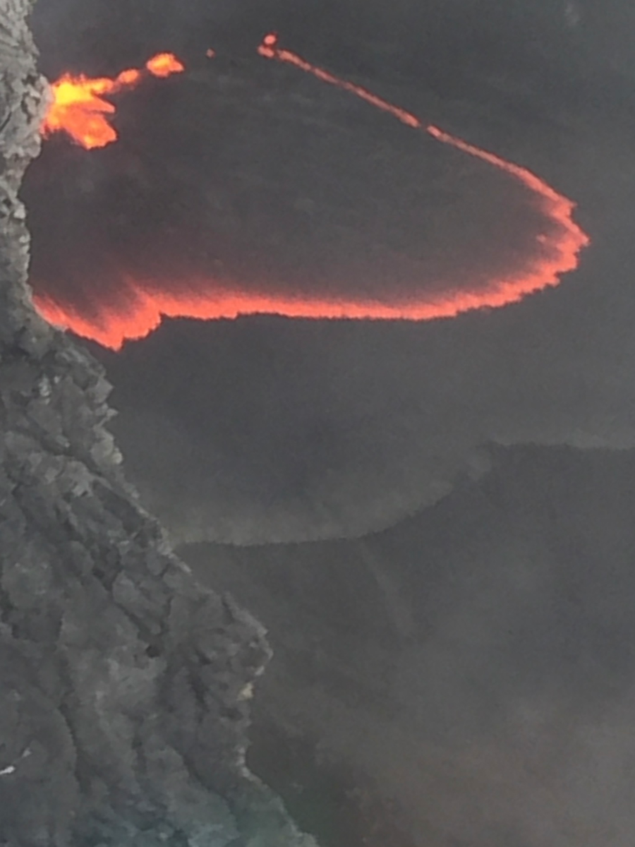 Seeing lava while on Big Island helicopter tours