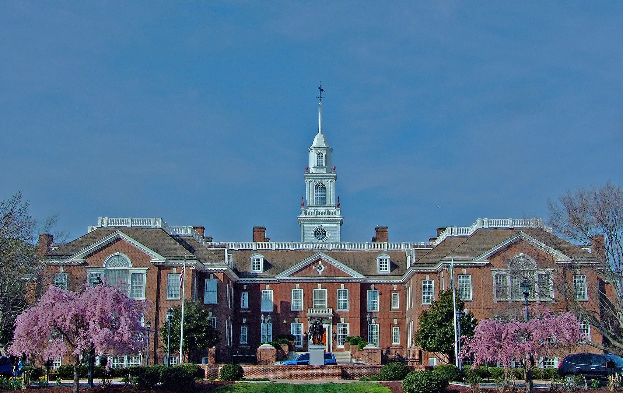 Delaware Statehouse in Dover. Photo by Dennis Deitrick on Flickr (noncommercial use permitted with attribution / share alike).