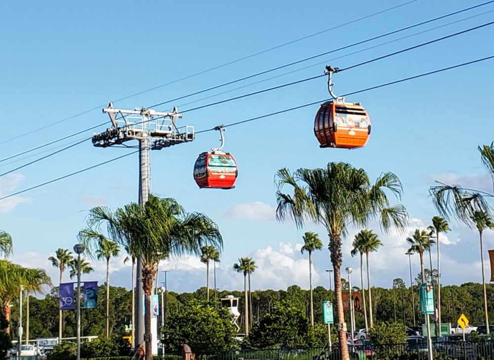 Disneyland vs. Disney World: getting around is different