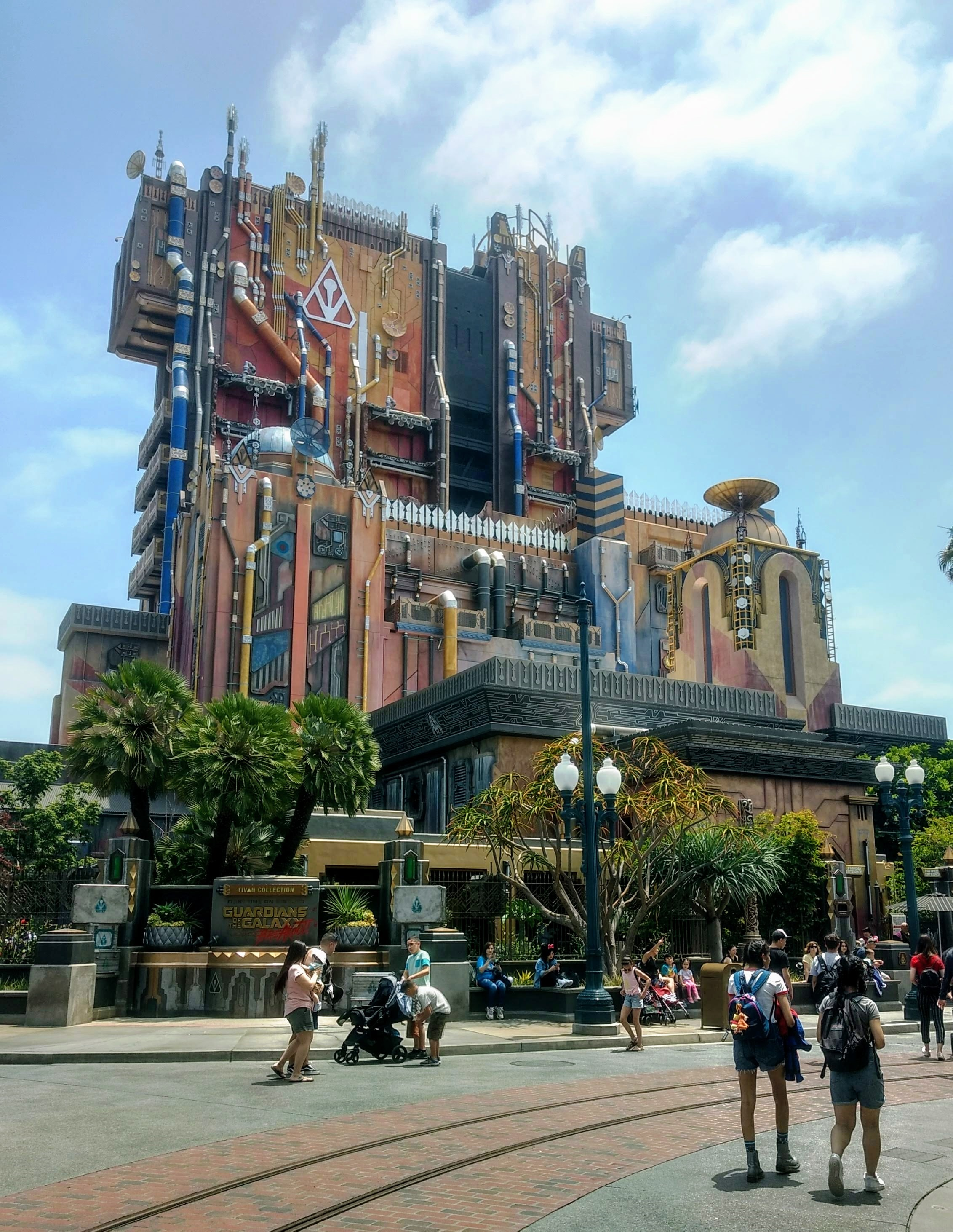 What you need to know about Disneyland Maxpass - Guardians of the Galaxy is a popular ride.