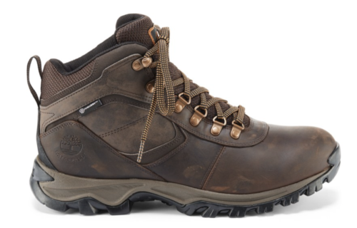 Hiking boots for men who like to travel