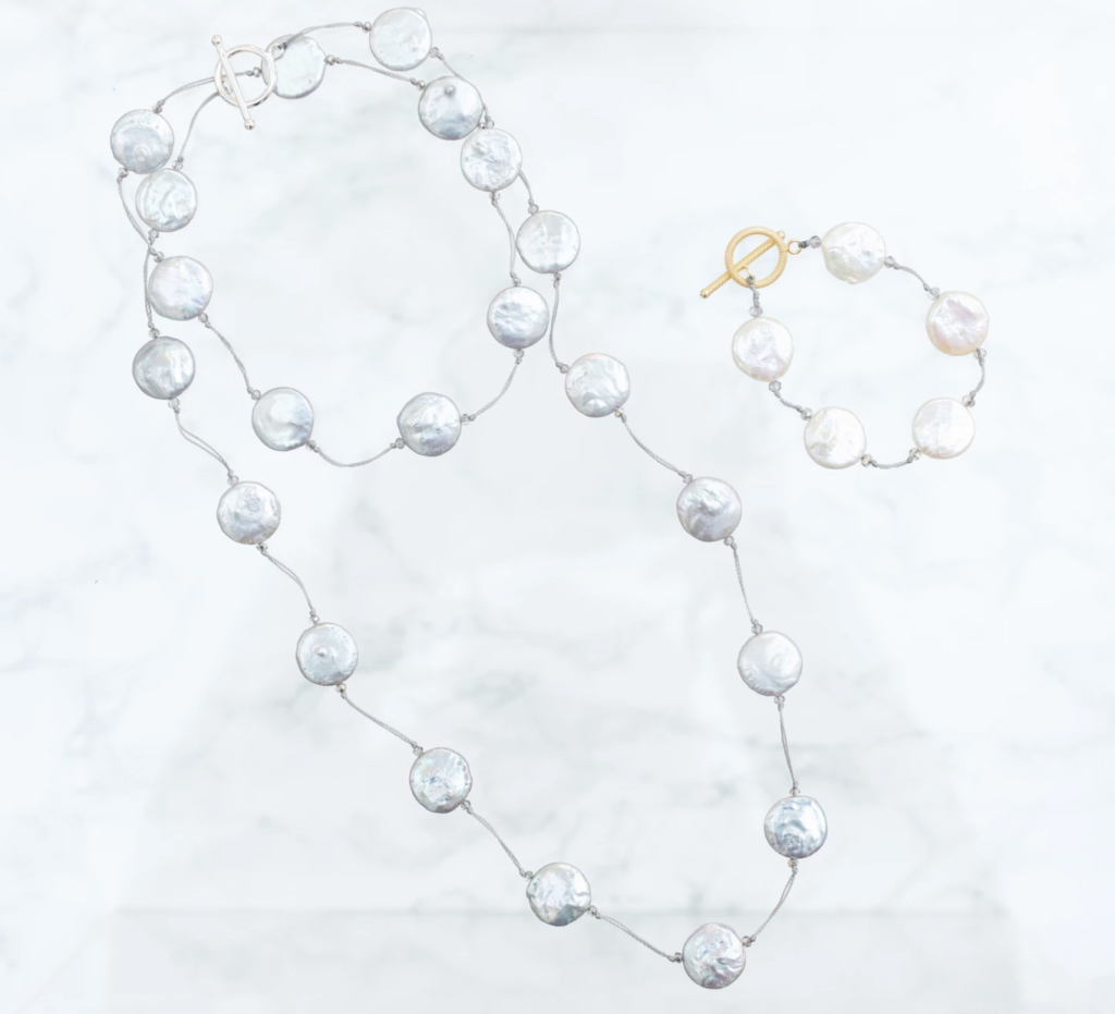A coin pearl jewelry set