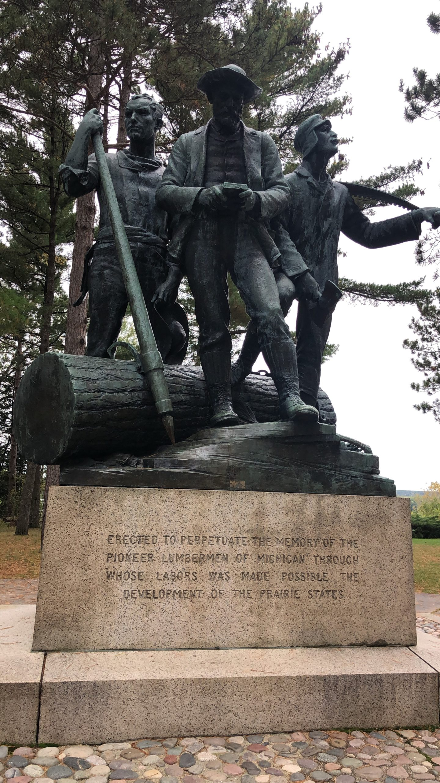 lumbermans monument statue