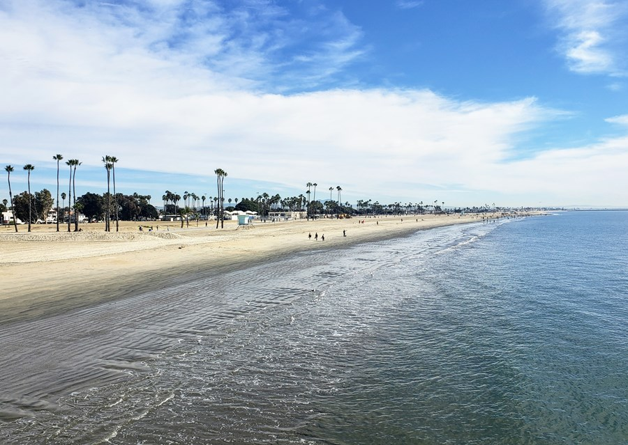 Long Beach shoreline - TravelingMom