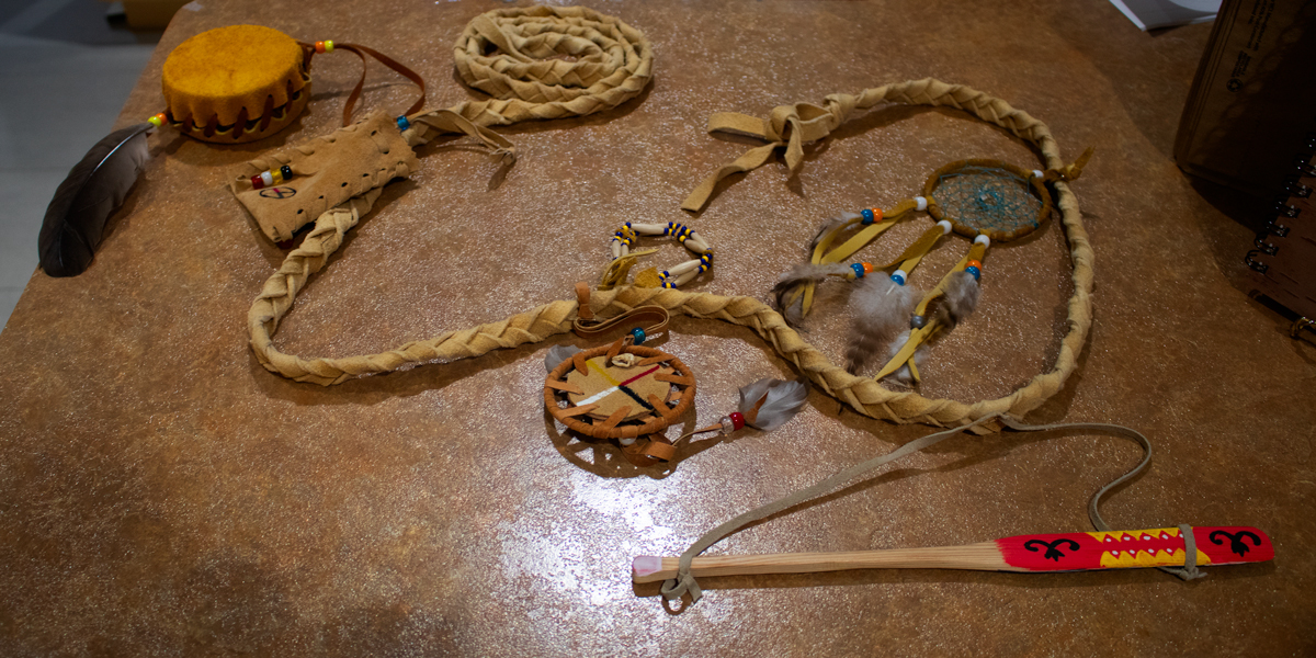 photo, First Nation crafts made by visitors