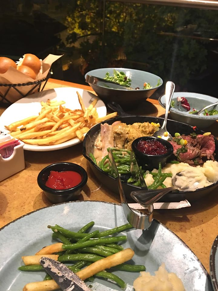 Dining at Epcot - Garden Grill