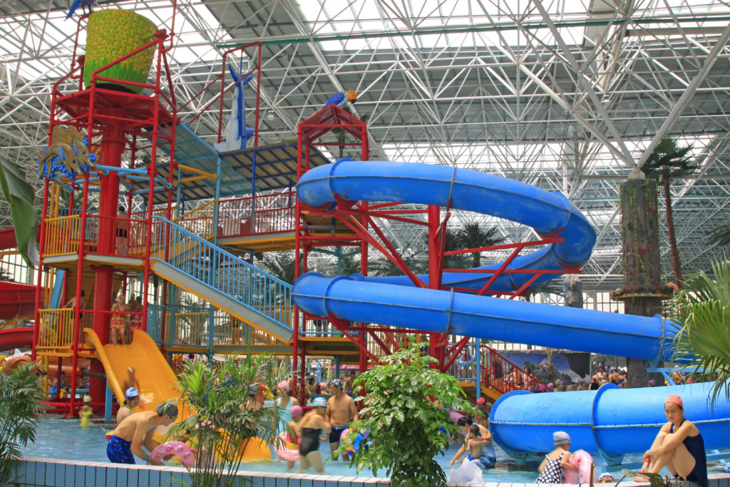 indoor water park slides