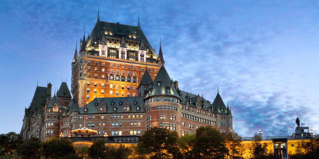 Photo, Fairmont Chateau Frontenac at sunset