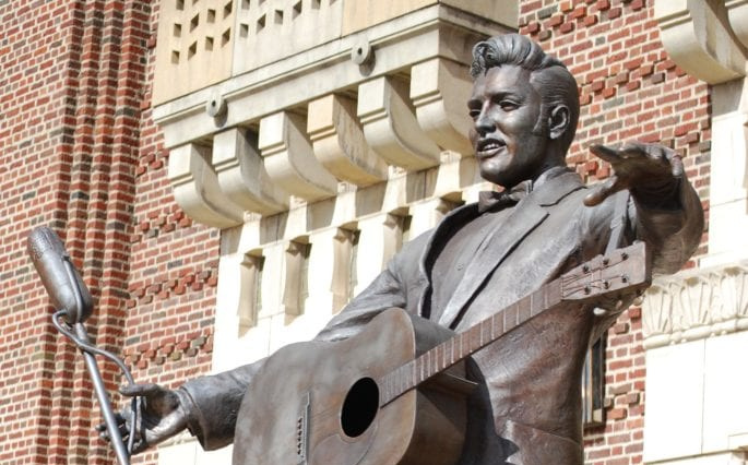 Elvis statue, one of the free things to do in Shreveport LA