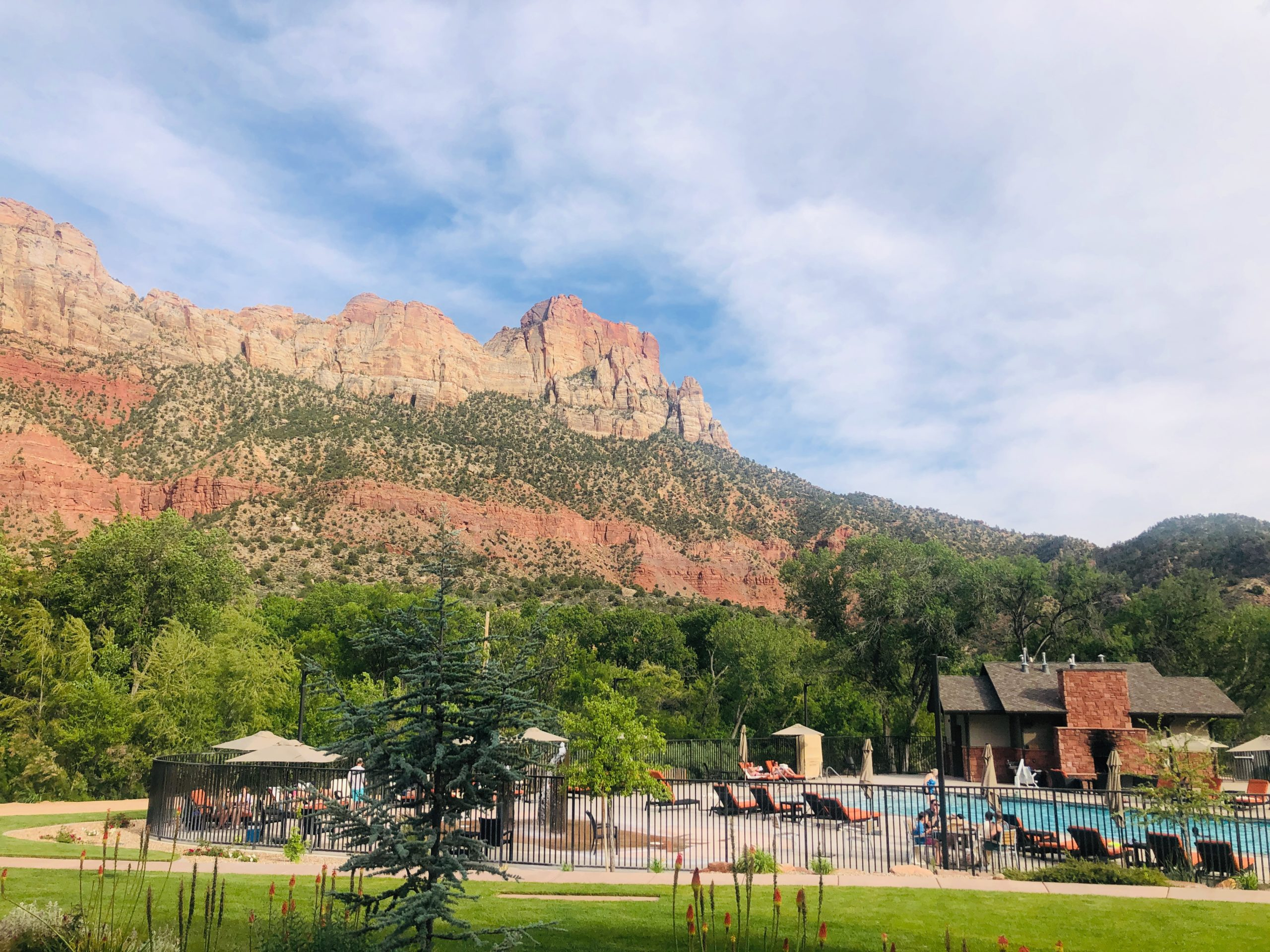 hikes in zion national park, Springhill view.