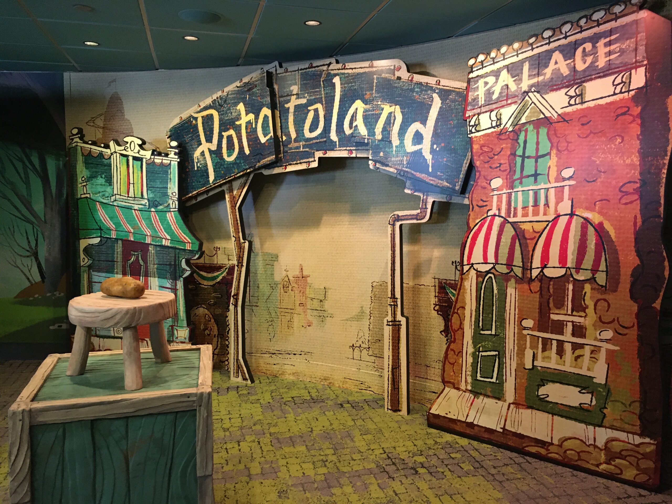 disney hollywood studios photo opportunity at Potatoland following Mickey's vacation fun