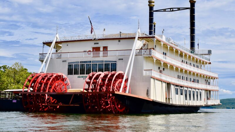 Showboat Branson Belle on lake in Branson MO