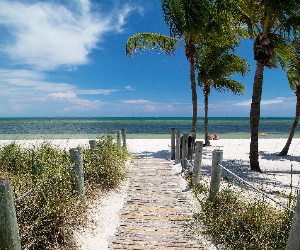 boardwalk entrance to Smathers Beach in Key West, a fun thing to do with tweens