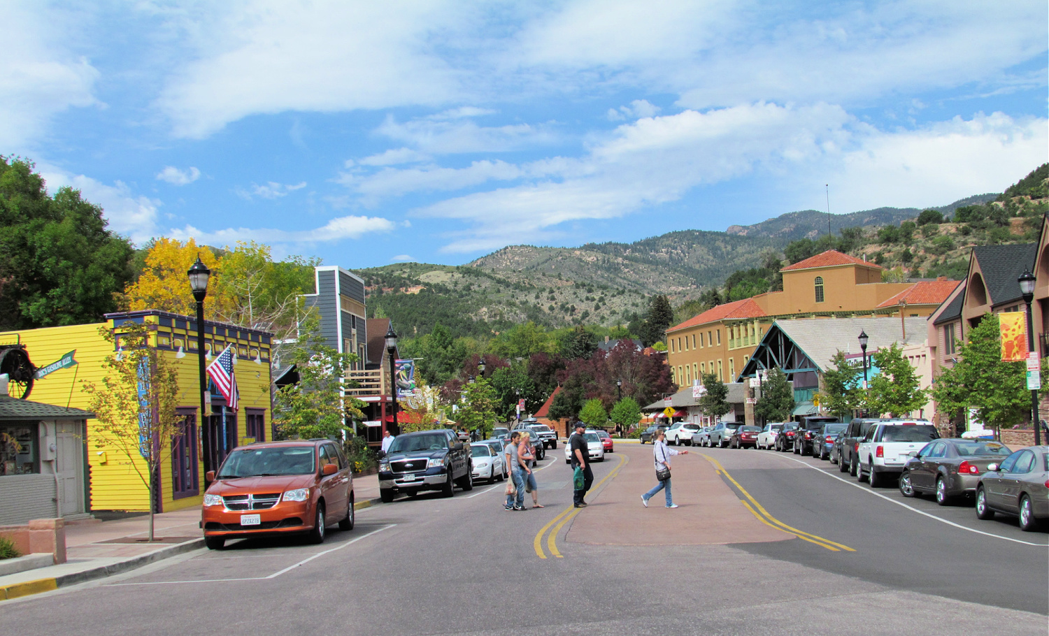 view of downtown Manitou Springs near Garden of the Gods Park