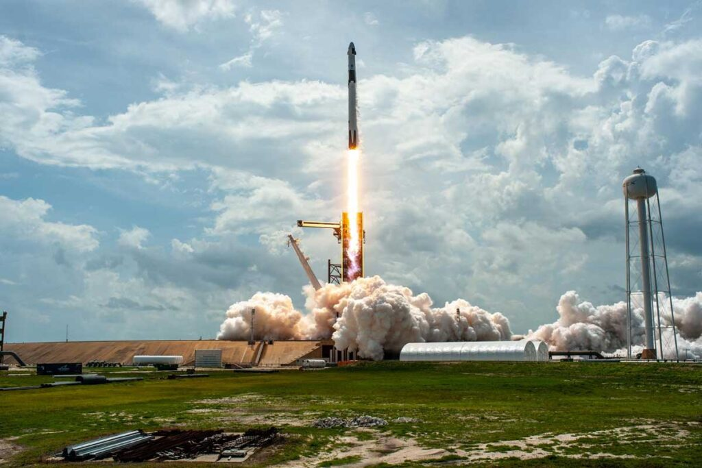 Rocket launch at the Kennedy Space Center that offers military discounts near Orlando