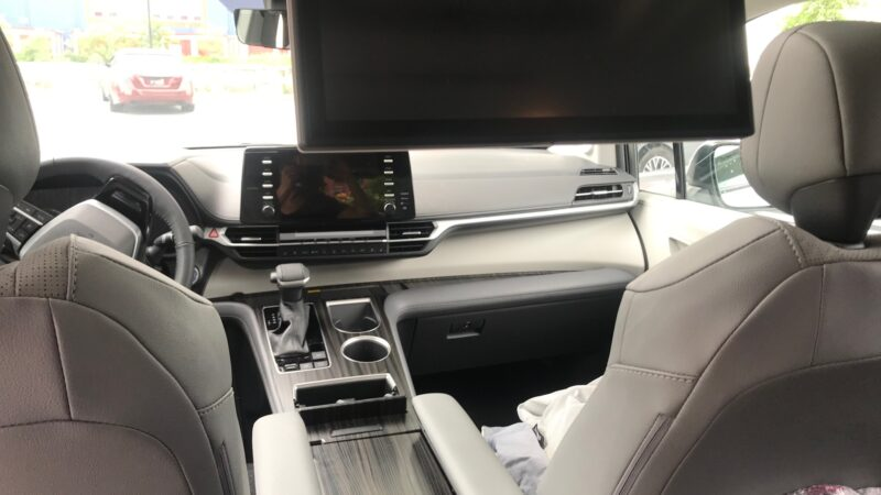 toyota sienna for driving groups