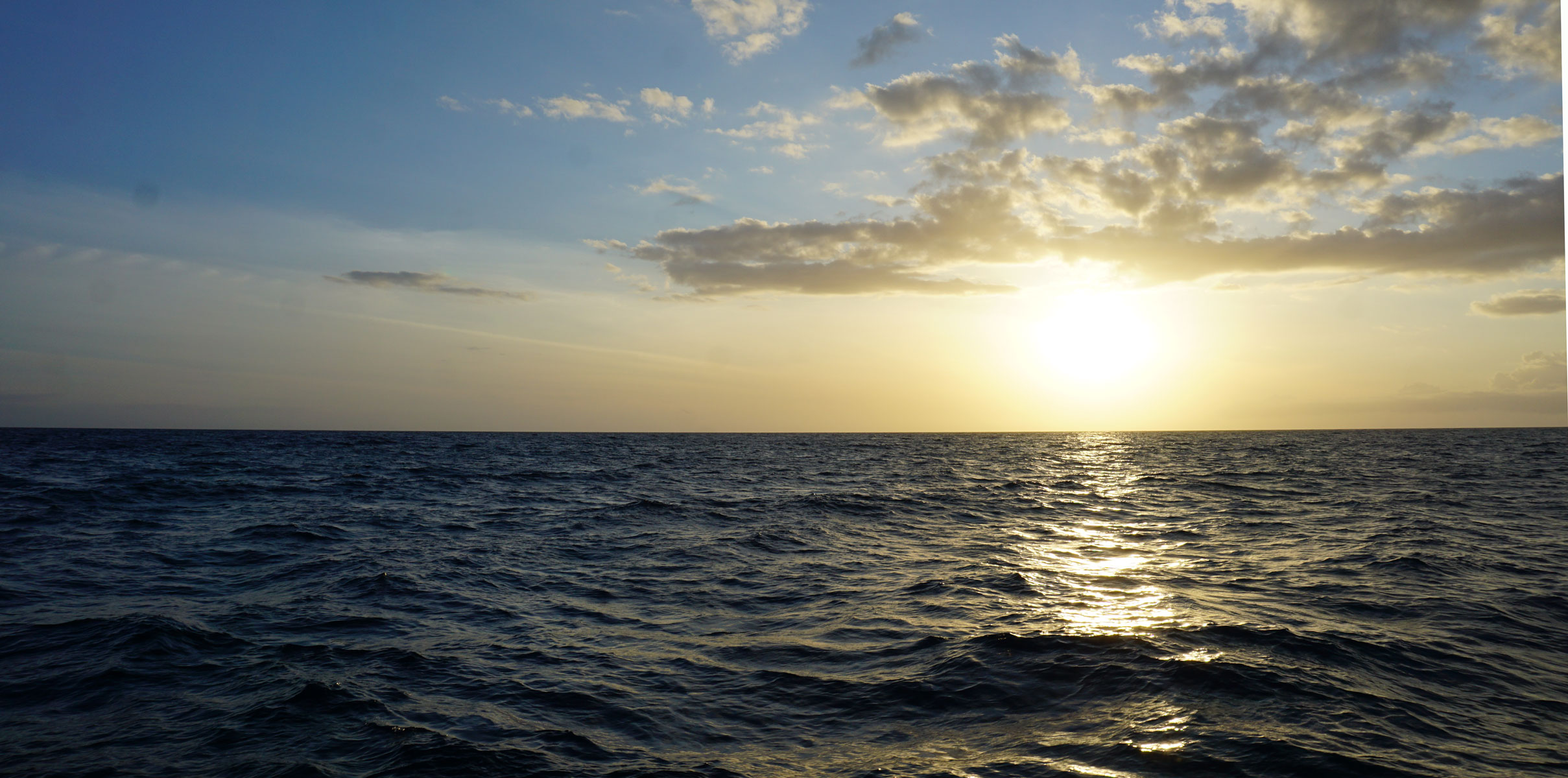 sunset cruise on big island of hawaii, a not to be missed thing to do on the Big Island