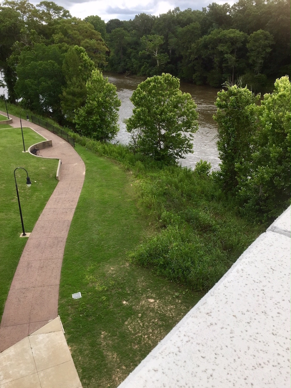Free things to do in Albany GA revolve around the Flinnt River.