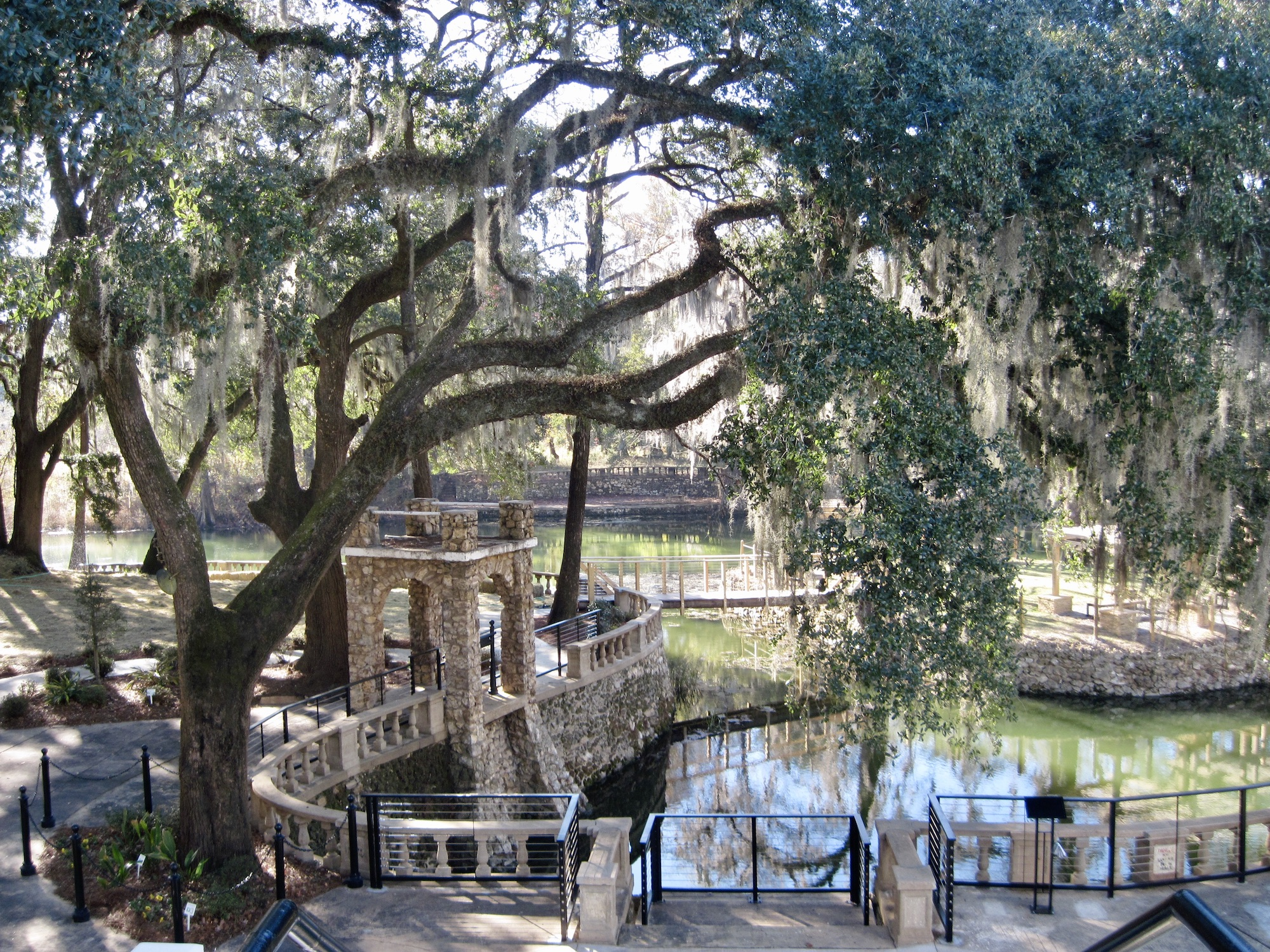 Free things to do in Albany GA includes gardens and gentle paths near cooling deep waters.