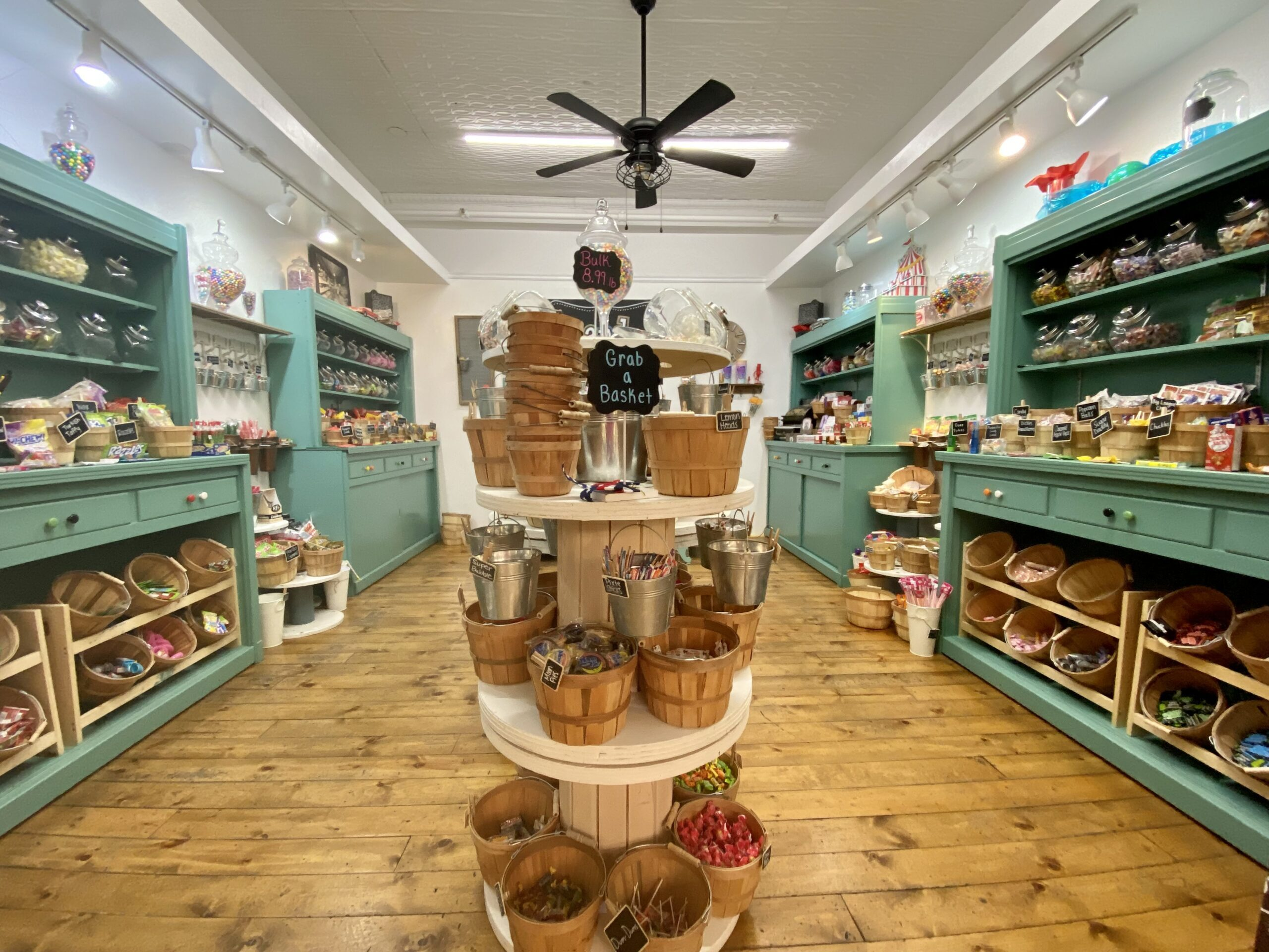 Things to do in Prescott AZ - front of a candy shop in Bashford Courts in Prescott